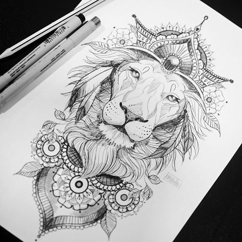 Эскиз тату лев с короной