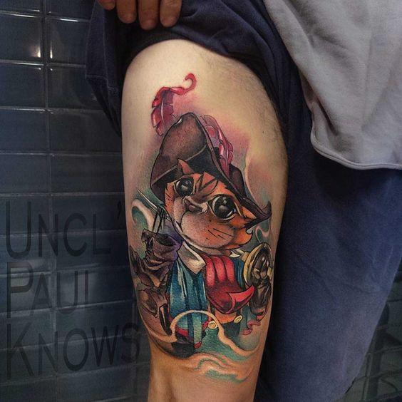 Татуировка на бедре в стиле нью скул Кот в сапогах