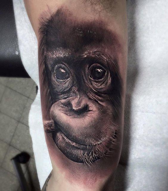 Тату обезьяна на руке