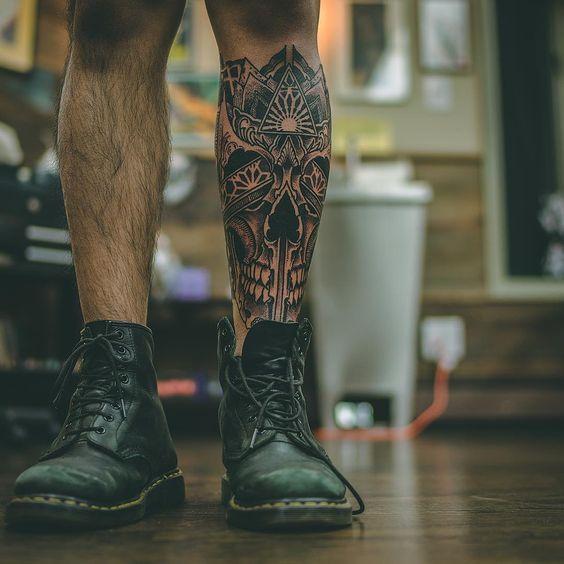 тату на ноге мужские фото эскизы цветные полный текст песни